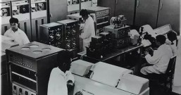 40年前毛泽东时代电脑、芯片、光刻机,美国第一,中国第二!